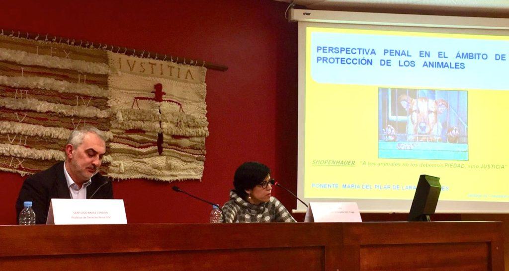 La Juez Pilar de Lara en la Jornada El Derecho y los Animales de la Universidad de Santiago de Compostela