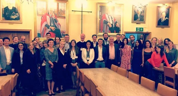 Foto de grupo Conferencia Cambridge