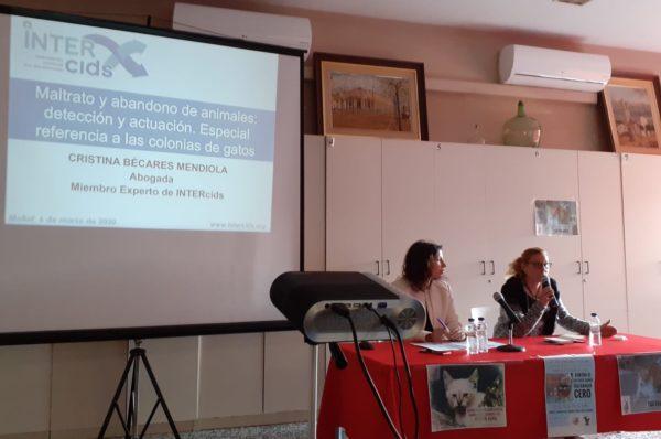 Un momento de la conferencia de Cristina Bécares